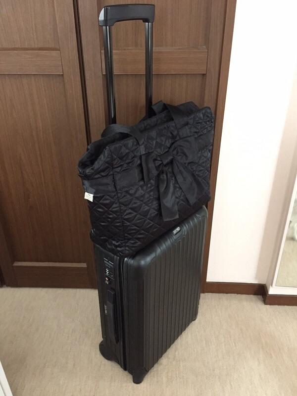 旅行バック客室乗務員のおすすめはナラヤとリモア