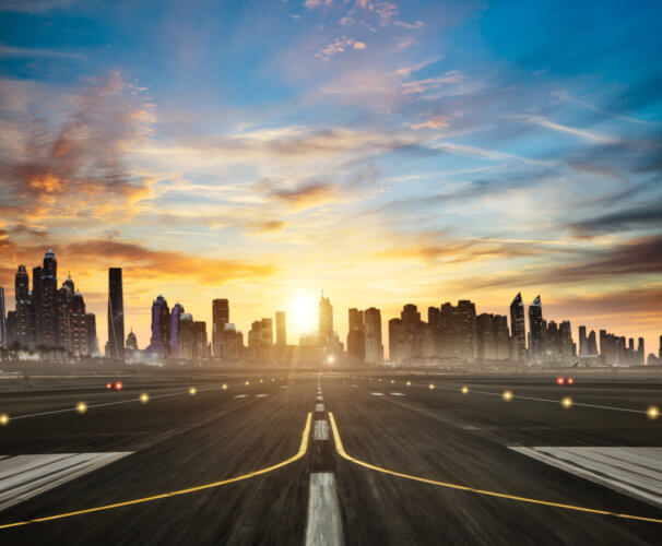 飛行機 滑走路 フライト 実話