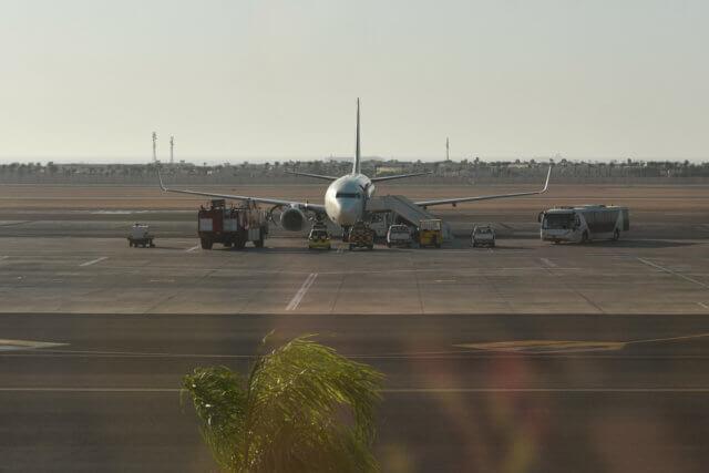 アフリカ 飛行機